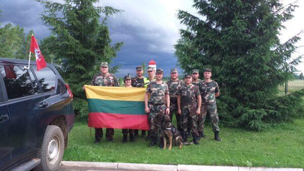 VSAT Vilniaus pasienio rinktinės padaliniai giedojo tautišką giesmę